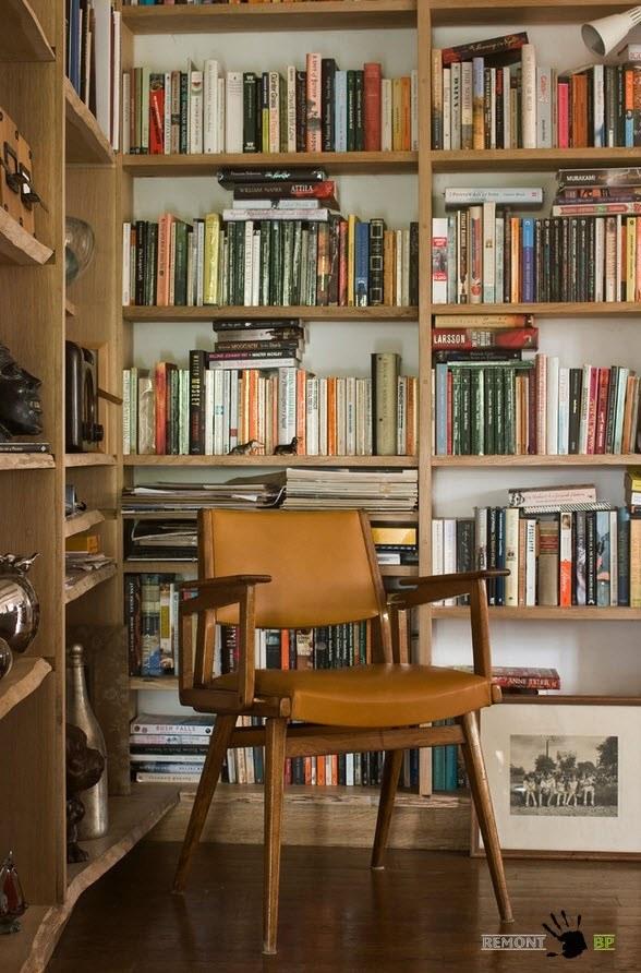 Книжный шкаф в ретро-стиле