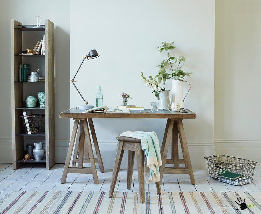 Рабочий стол необычной конструкции