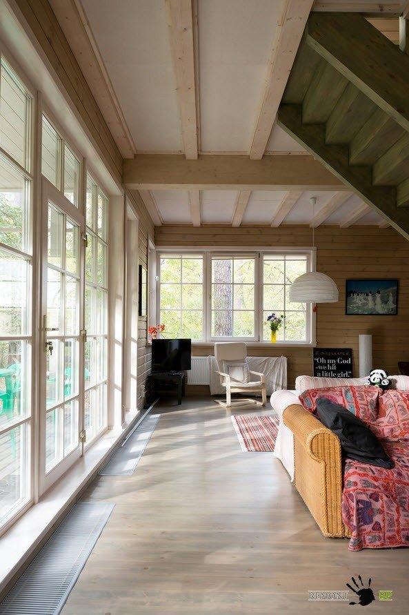 Деревянная отделка помещения