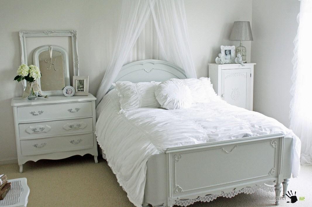 Белоснежная обстановка спальни
