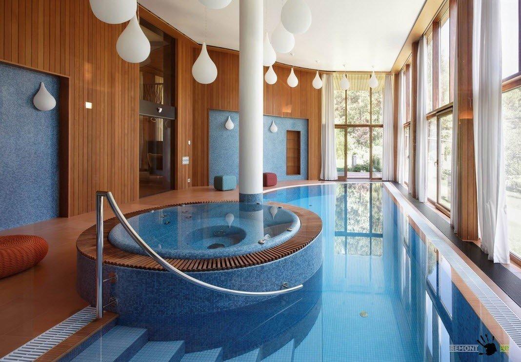 Крытый бассейн и джакузи