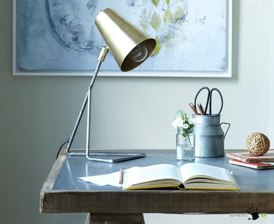 Лампа для рабочего стола