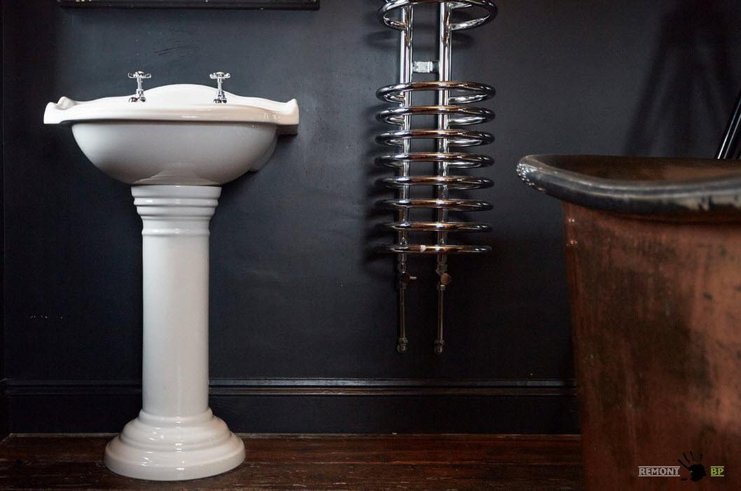Темная отделка ванной комнаты