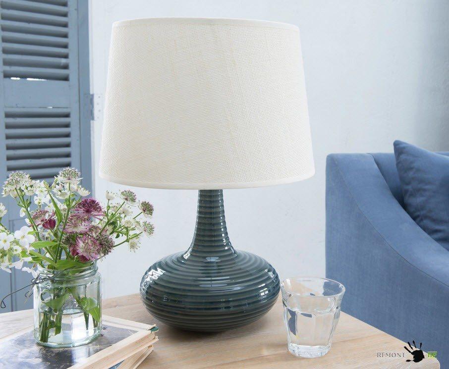 Настольная лампа из стекла и текстиля