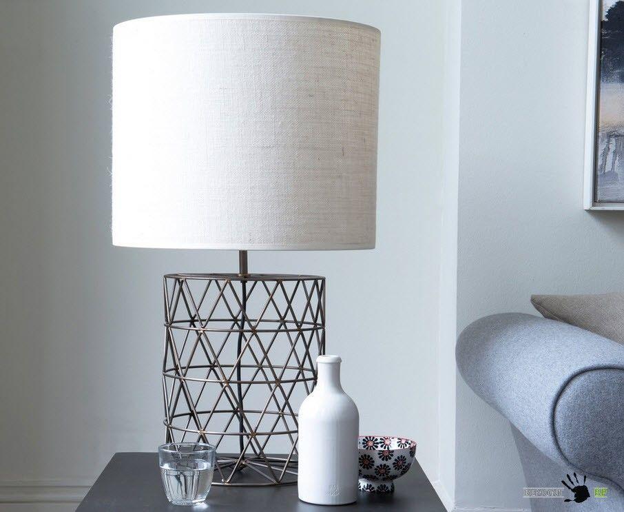 Настольная лампа из металла и текстиля