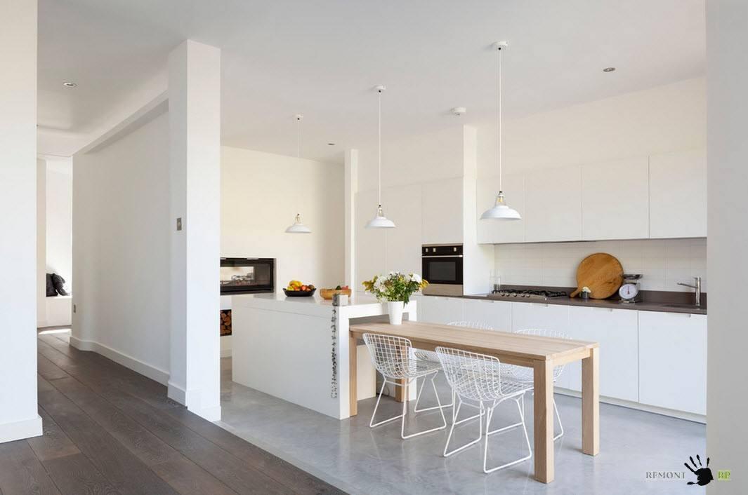 Белоснежная кухня-столовая