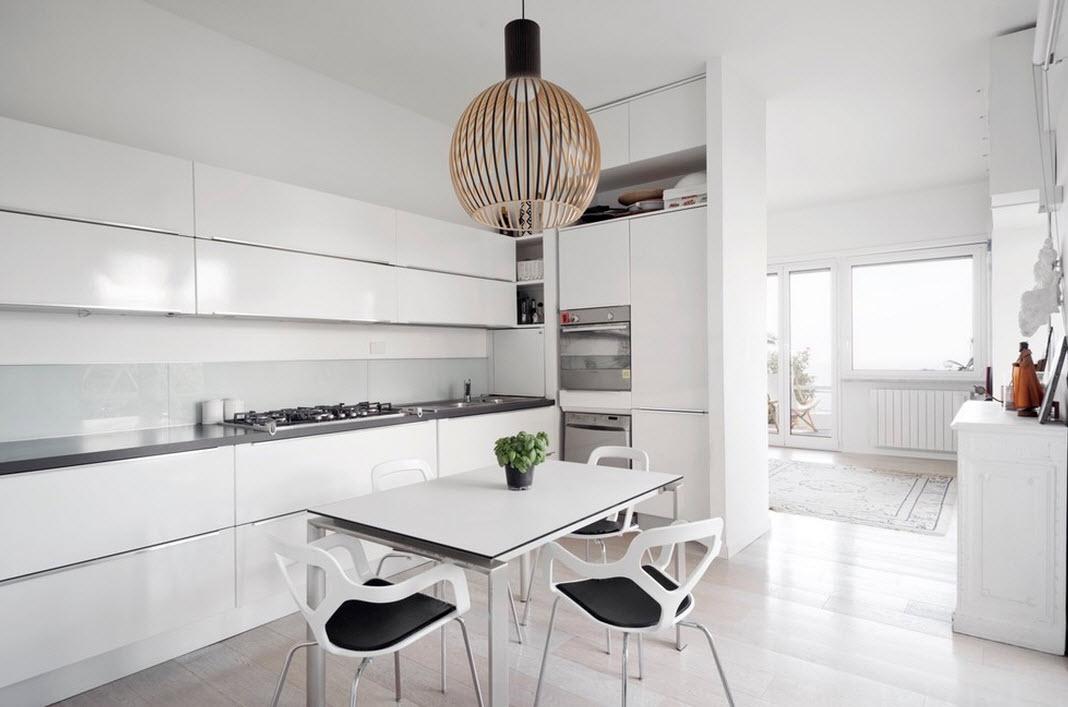Белые поверхности кухни