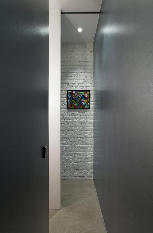 Кирпичная стена как фактурный акцент