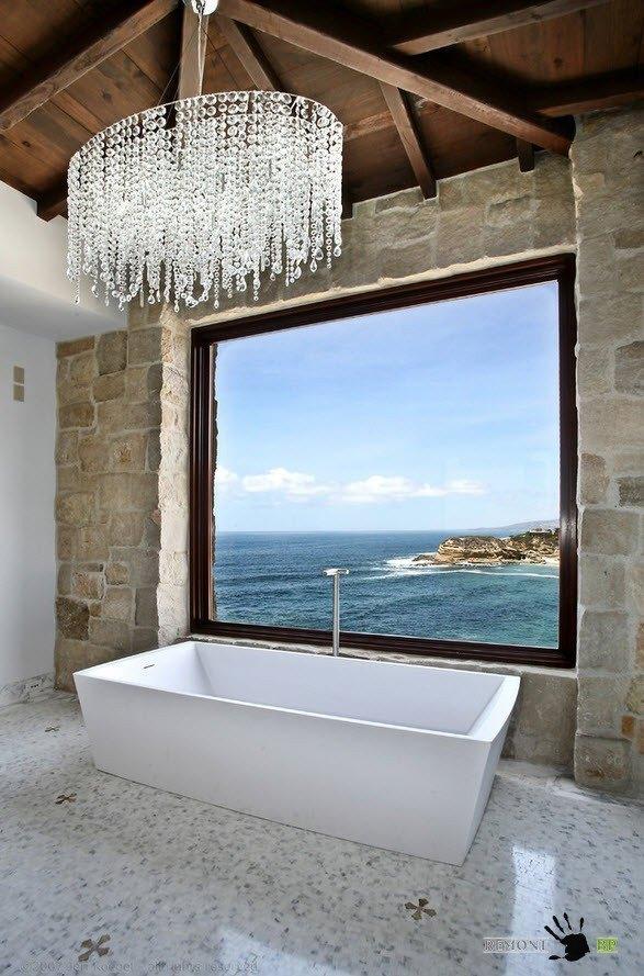 Люстра для ванной с источником естественного света