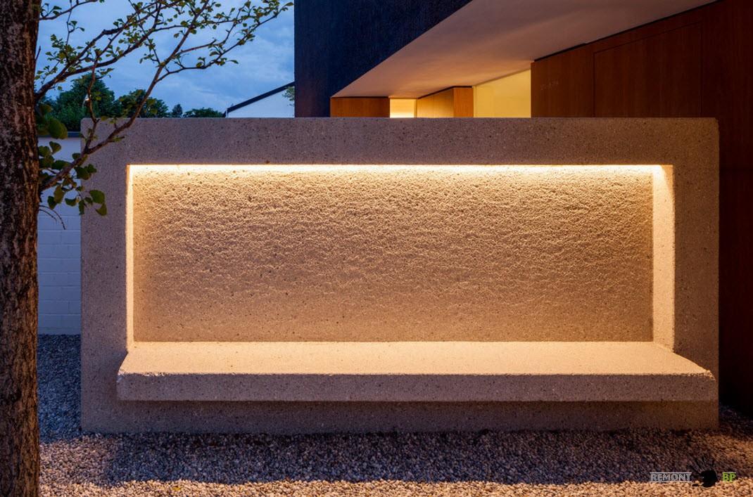 Оригинальная скамья с подсветкой