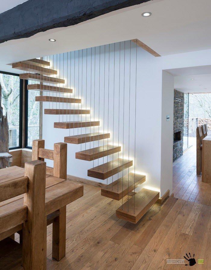 Подсветка лестницы - элемент безопасности
