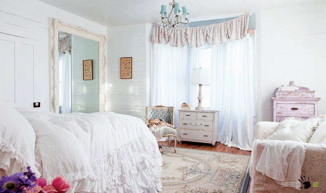 Оформление текстилем спальни