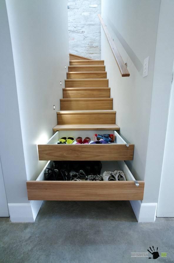 Выдвижные ящики под ступенями