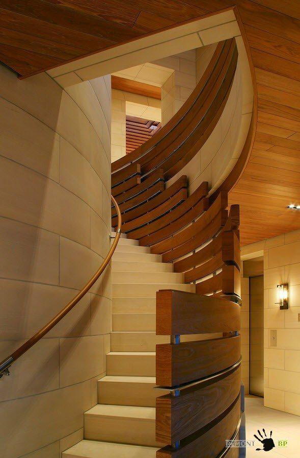 Лестница по кругу