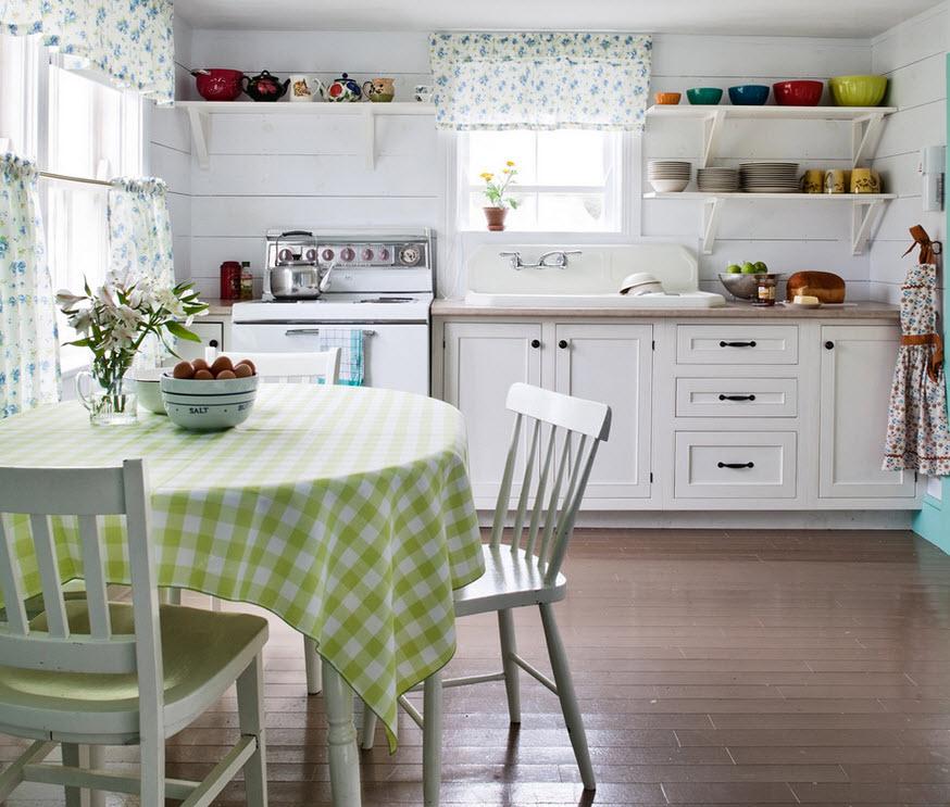 Открытые полки в качестве альтернативы кухонных шкафов