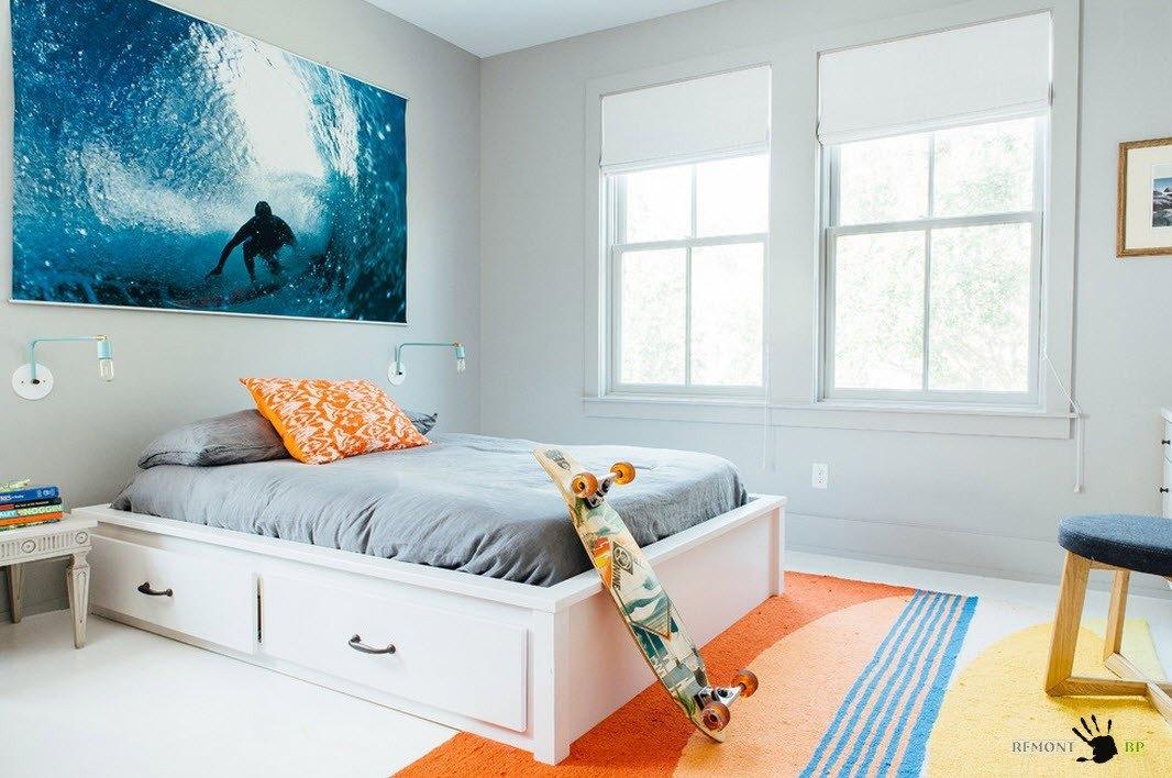 Кровать с системами хранения в нижней части