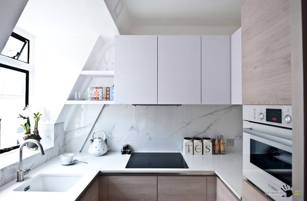 Описание: Кухня с непростой формой