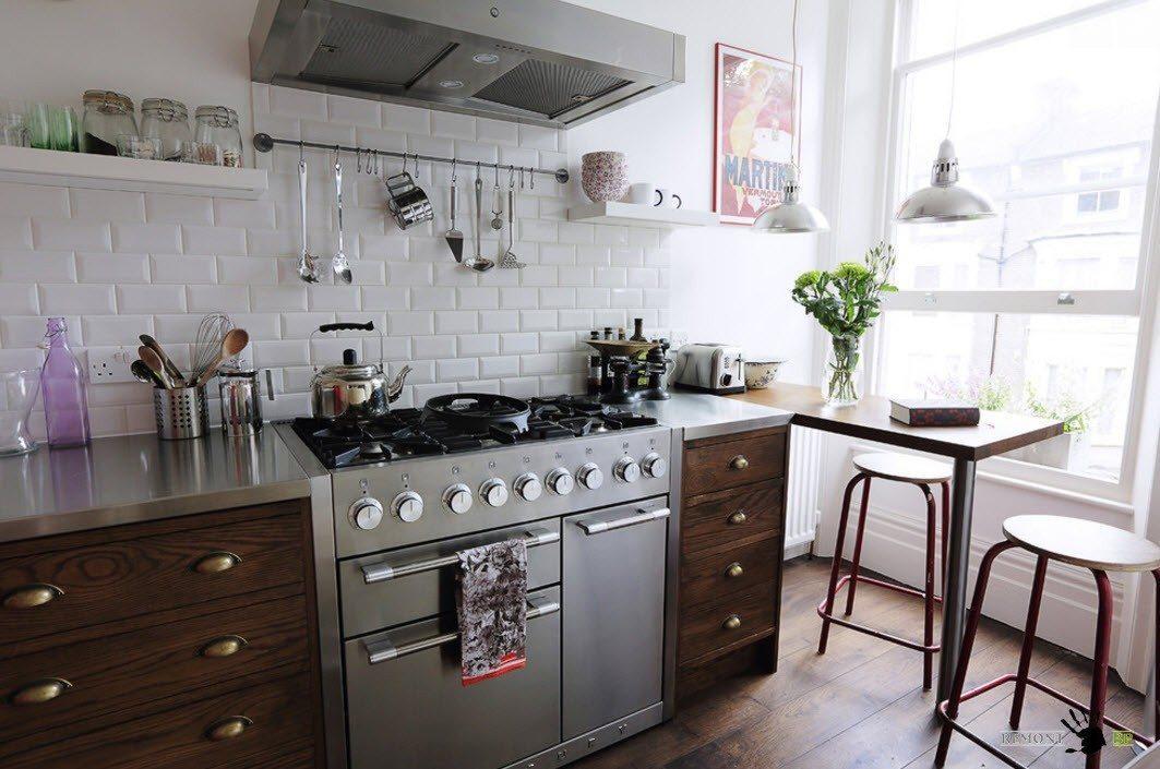 Белая облицовка для небольшой кухни