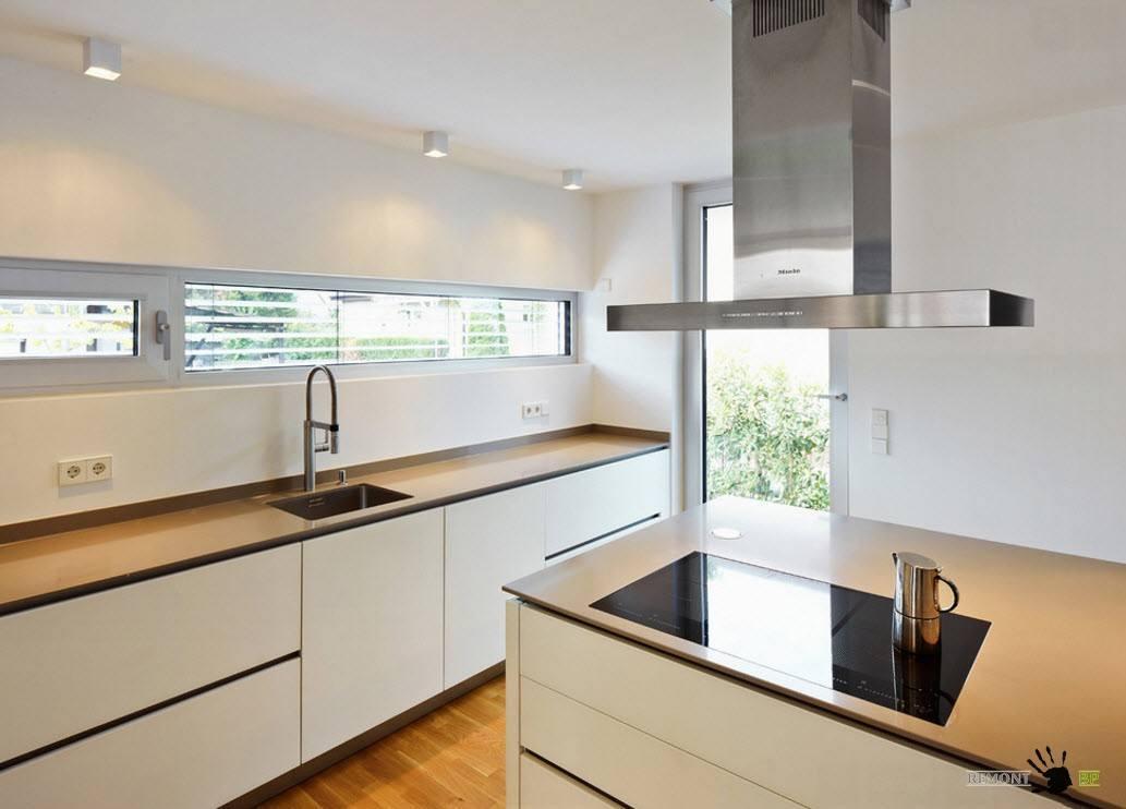Белый цвет для небольшой кухни