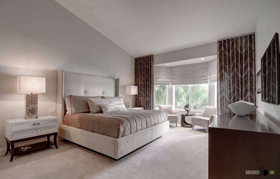 Оформление спальни с эркером