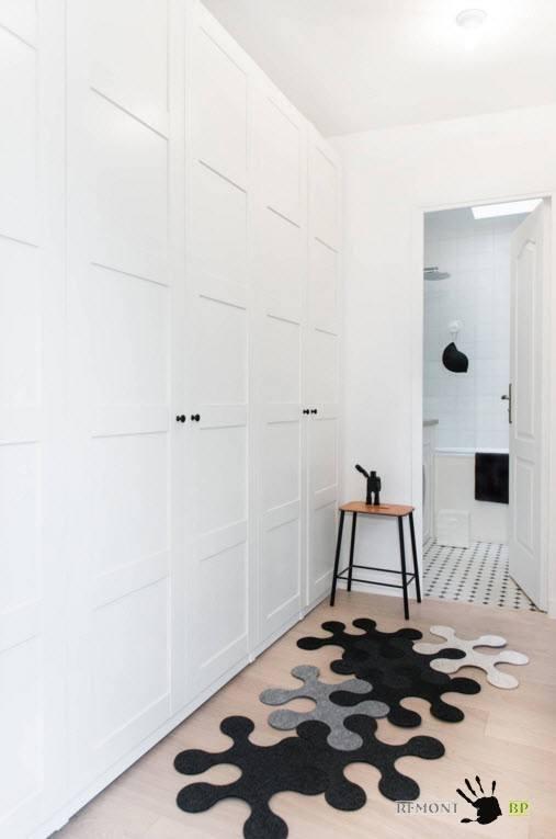 Белоснежный встроенный шкаф