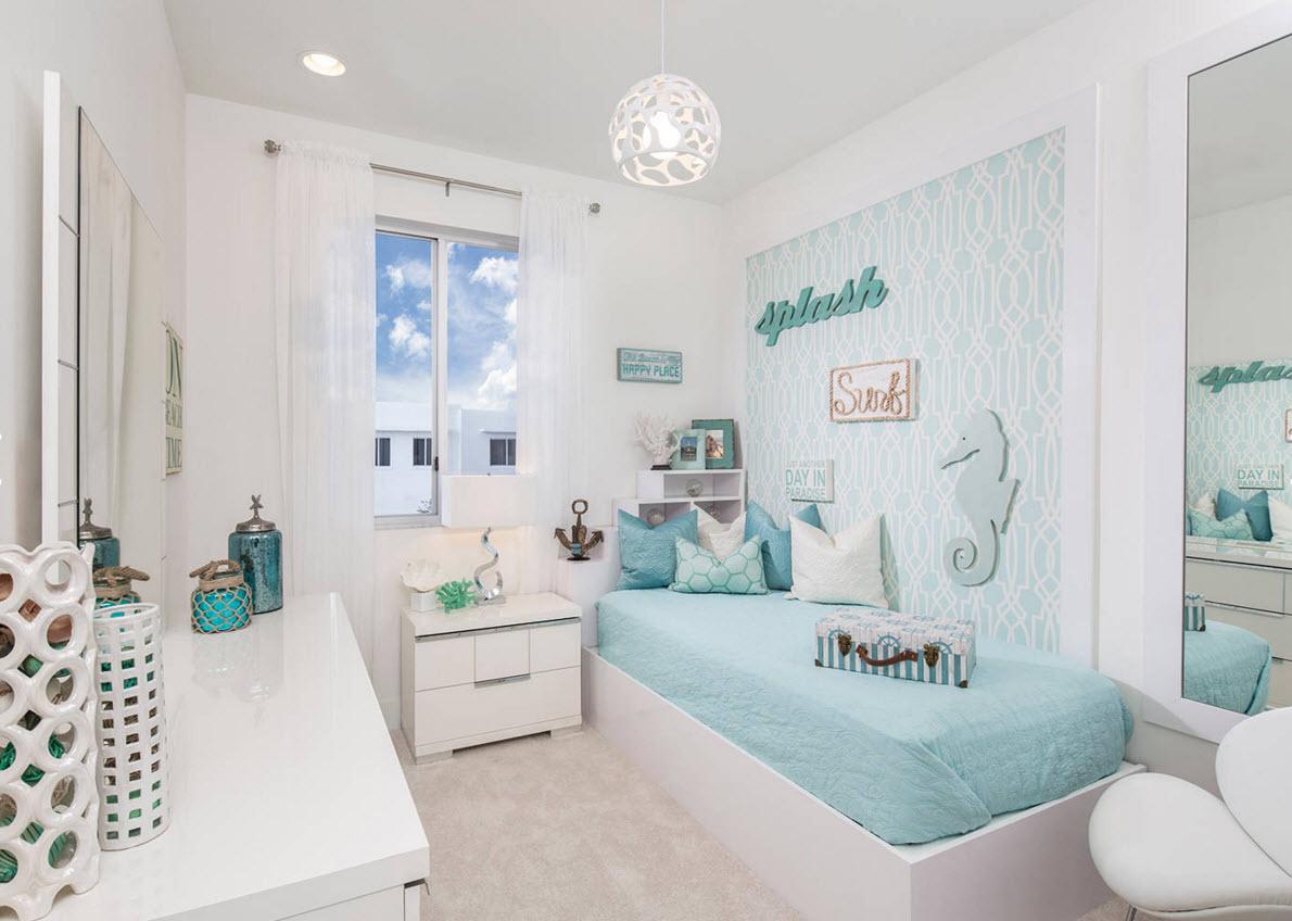 Голубой и белый в детской спальне
