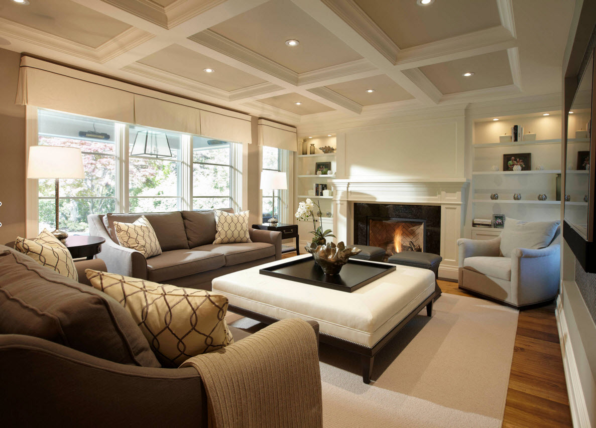 Встроенные лампочки на потолке и в системе хранения
