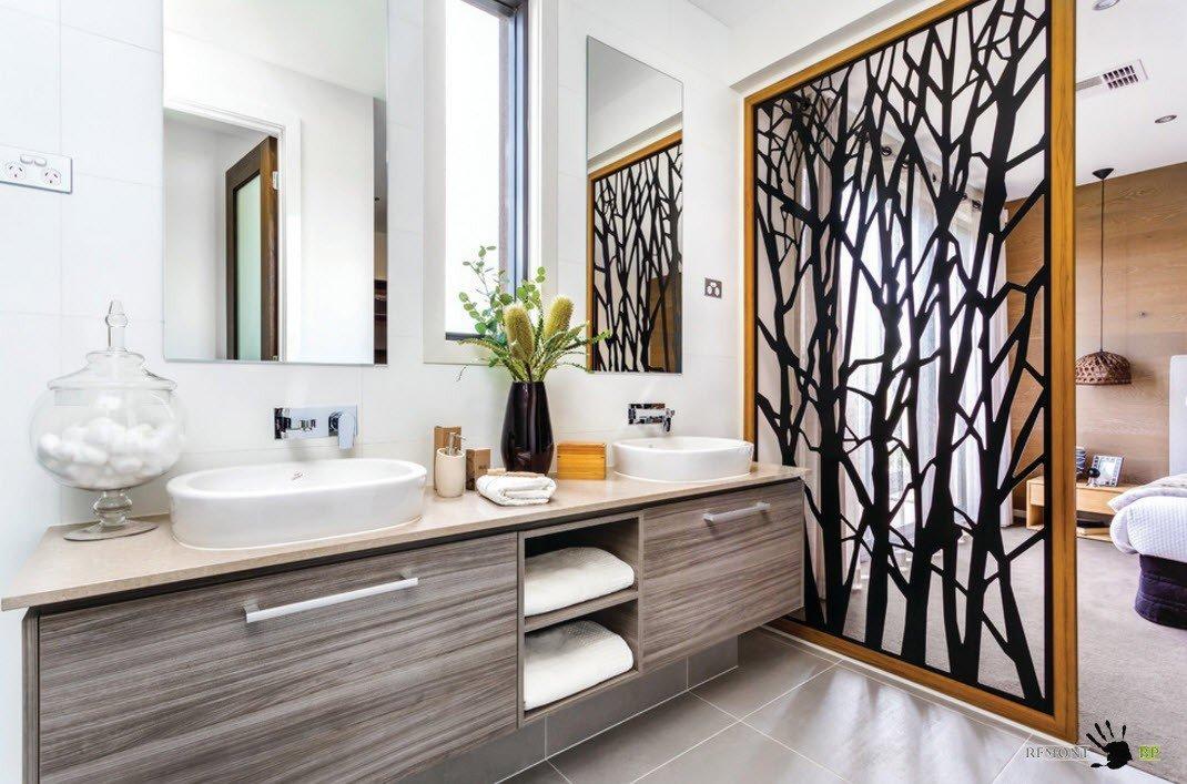 Ванная комната в спальне за перегородкой