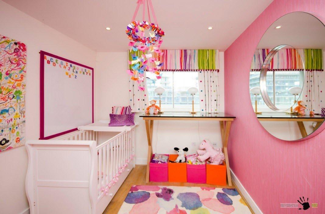Все оттенки розового в детской комнате