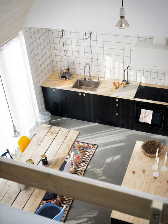 Вид сверху на кухню и столовую
