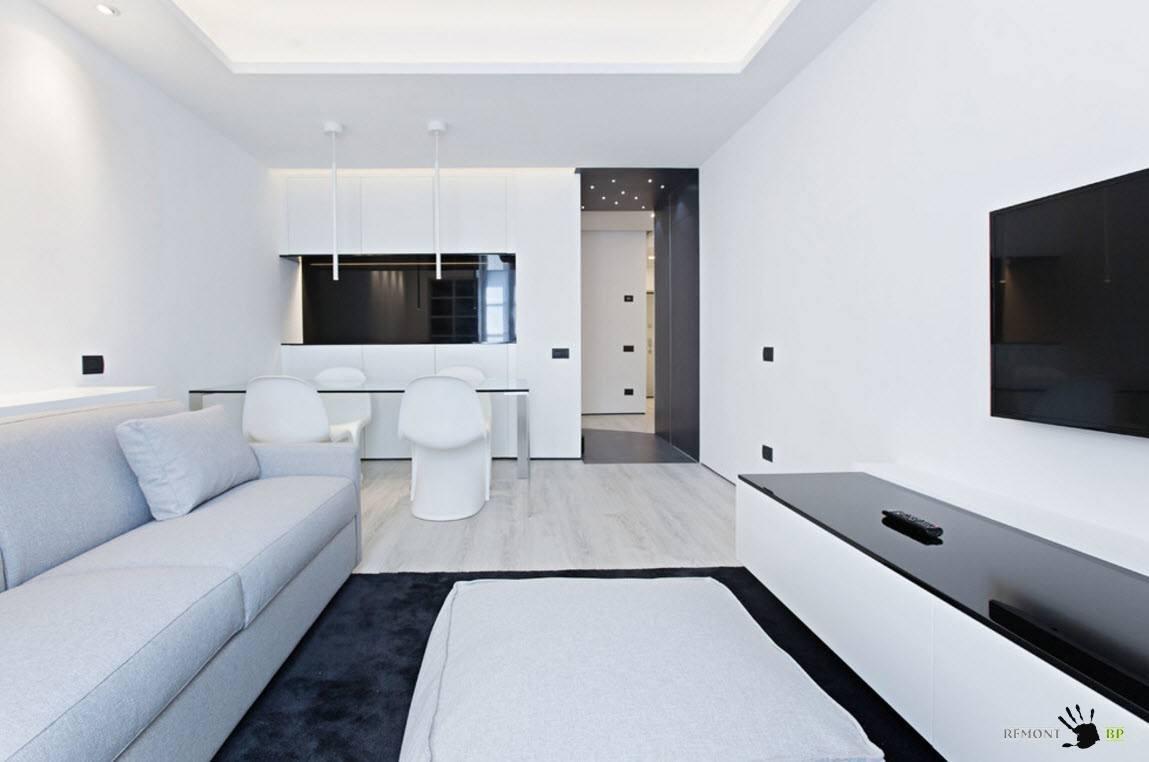 Бело-черное совмещенное помещение
