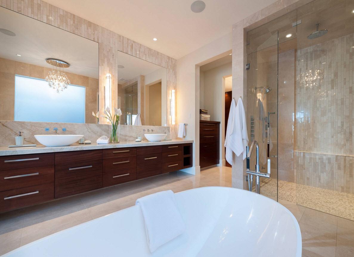 Утилитарное помещение с большой ванной