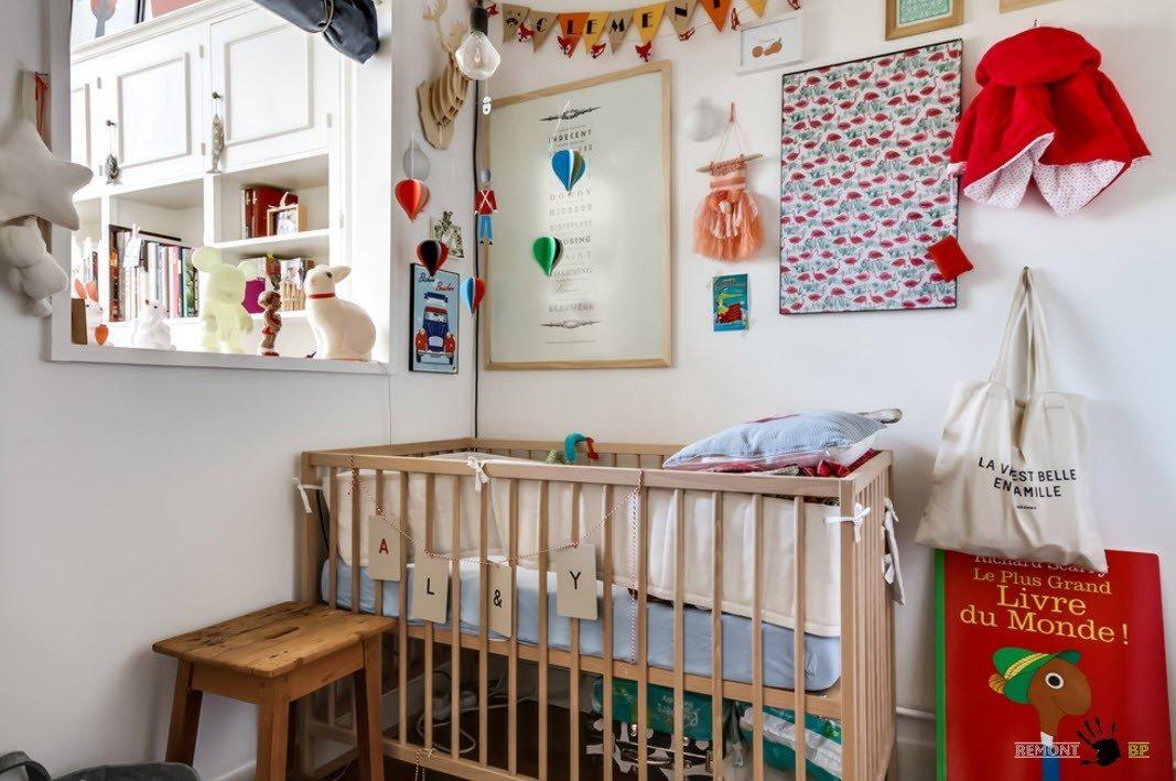 Яркое оформление места для новорожденного