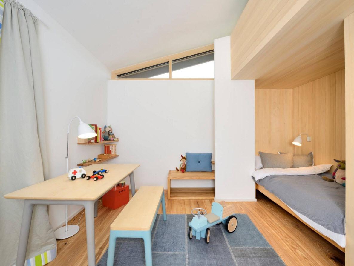 Имитация дерева в детской комнате