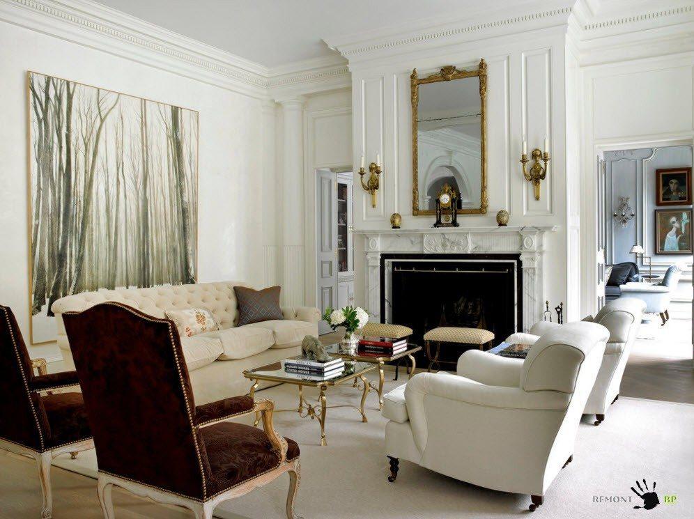 Мягкая мебель для белоснежной гостиной