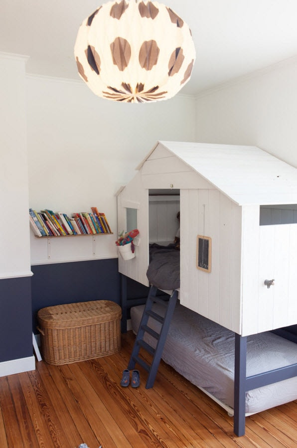 Кровать и место для уединения