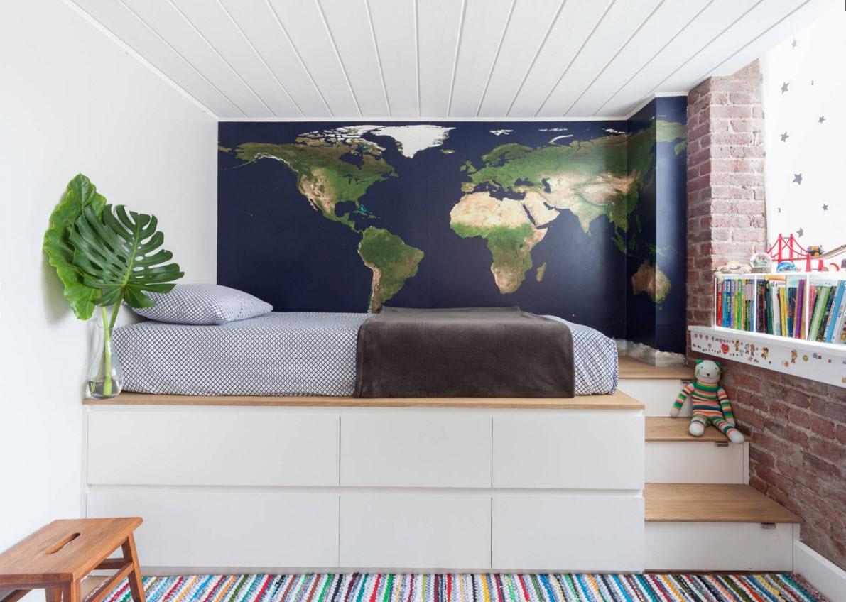 Кровать-подиум с системами хранения