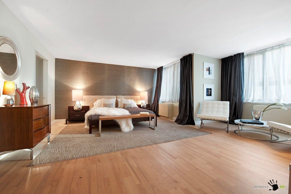 Темные и плотные шторы - необходимость в спальне