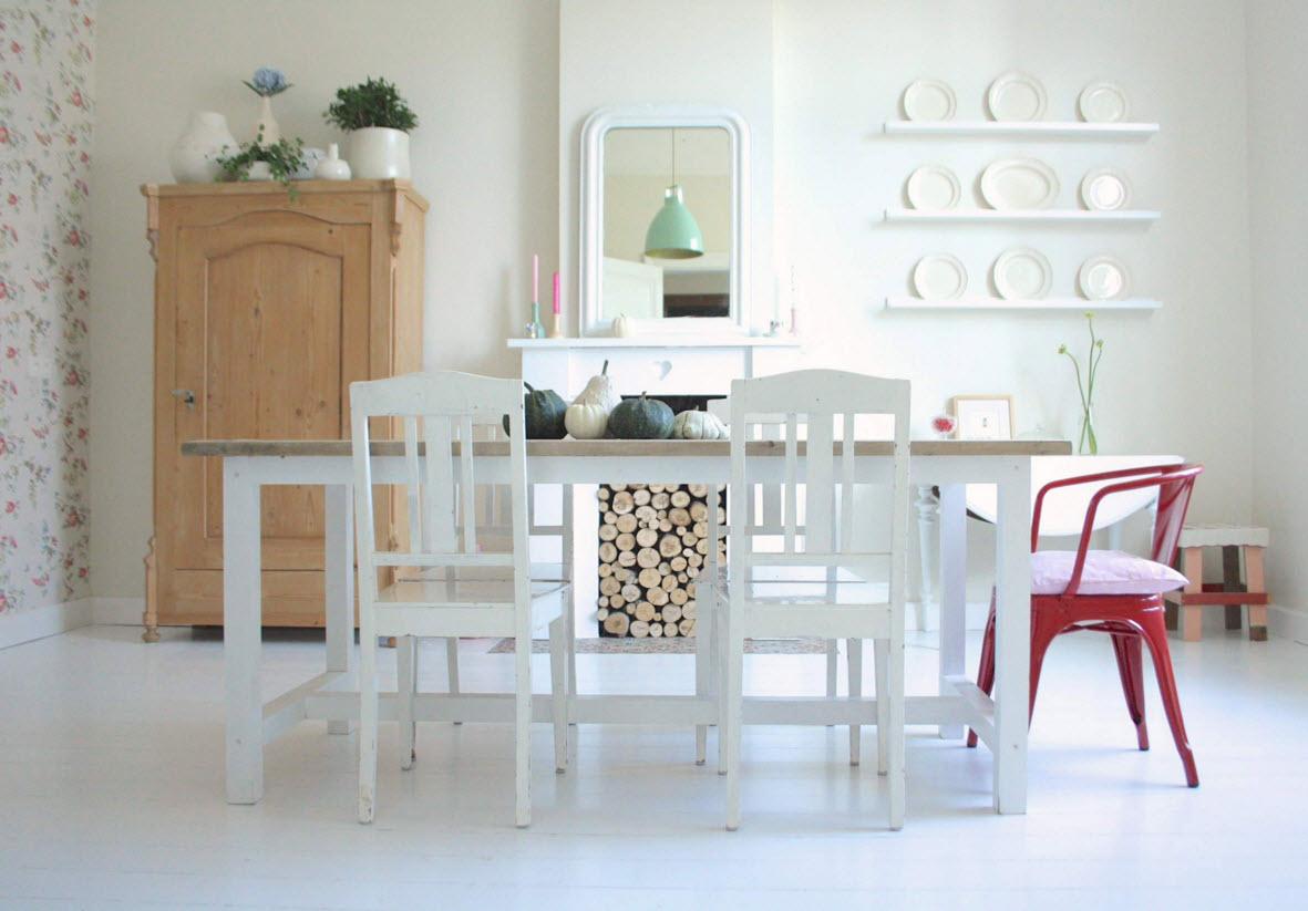 Белый пол в столовой