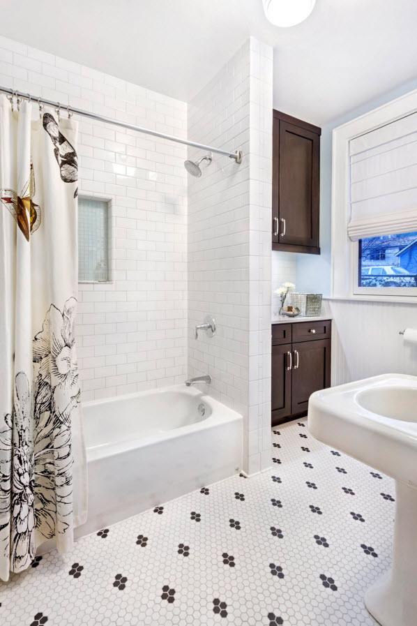 Контраст на полу в ванной