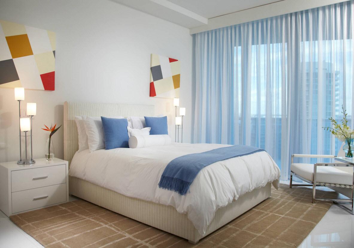 Светлое напольное покрытие для спальни