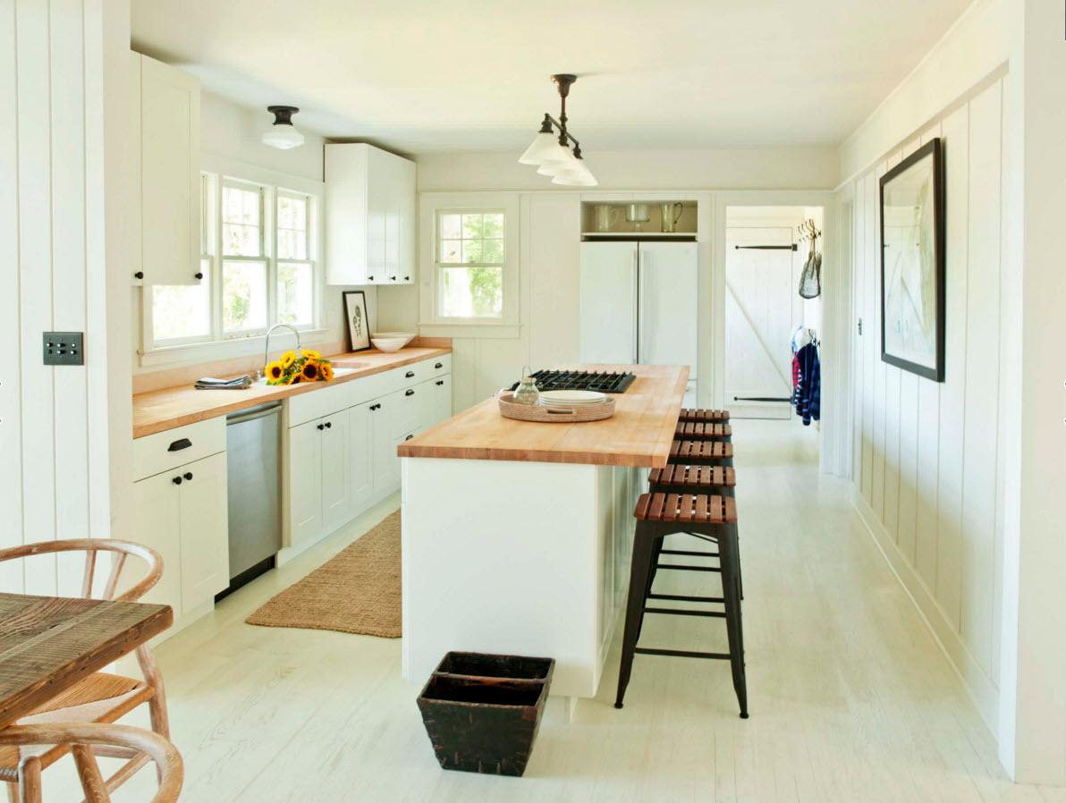 Белый пол на большой кухни