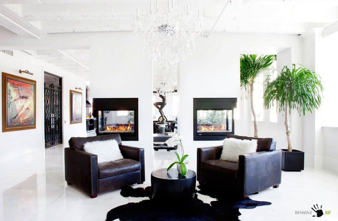 Черная мебель с кожаной обивкой