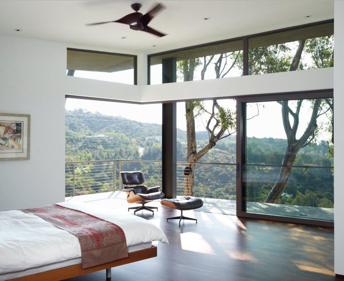 Просторная и светлая спальня
