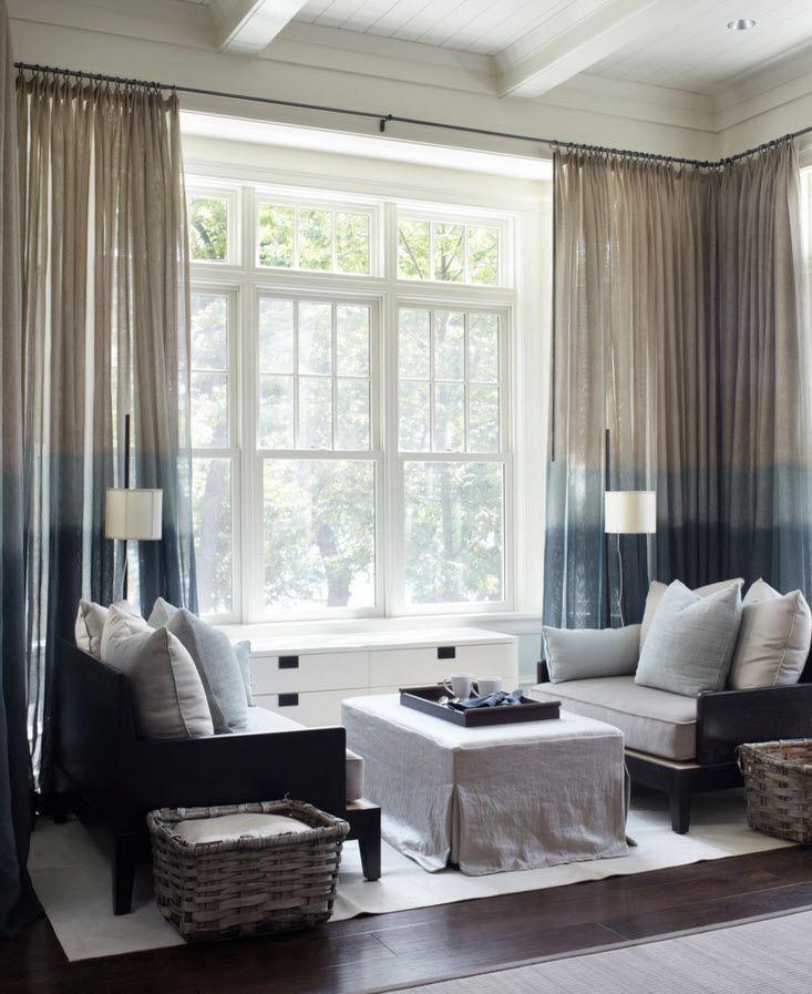 Оригинальные шторы для панорамного окна