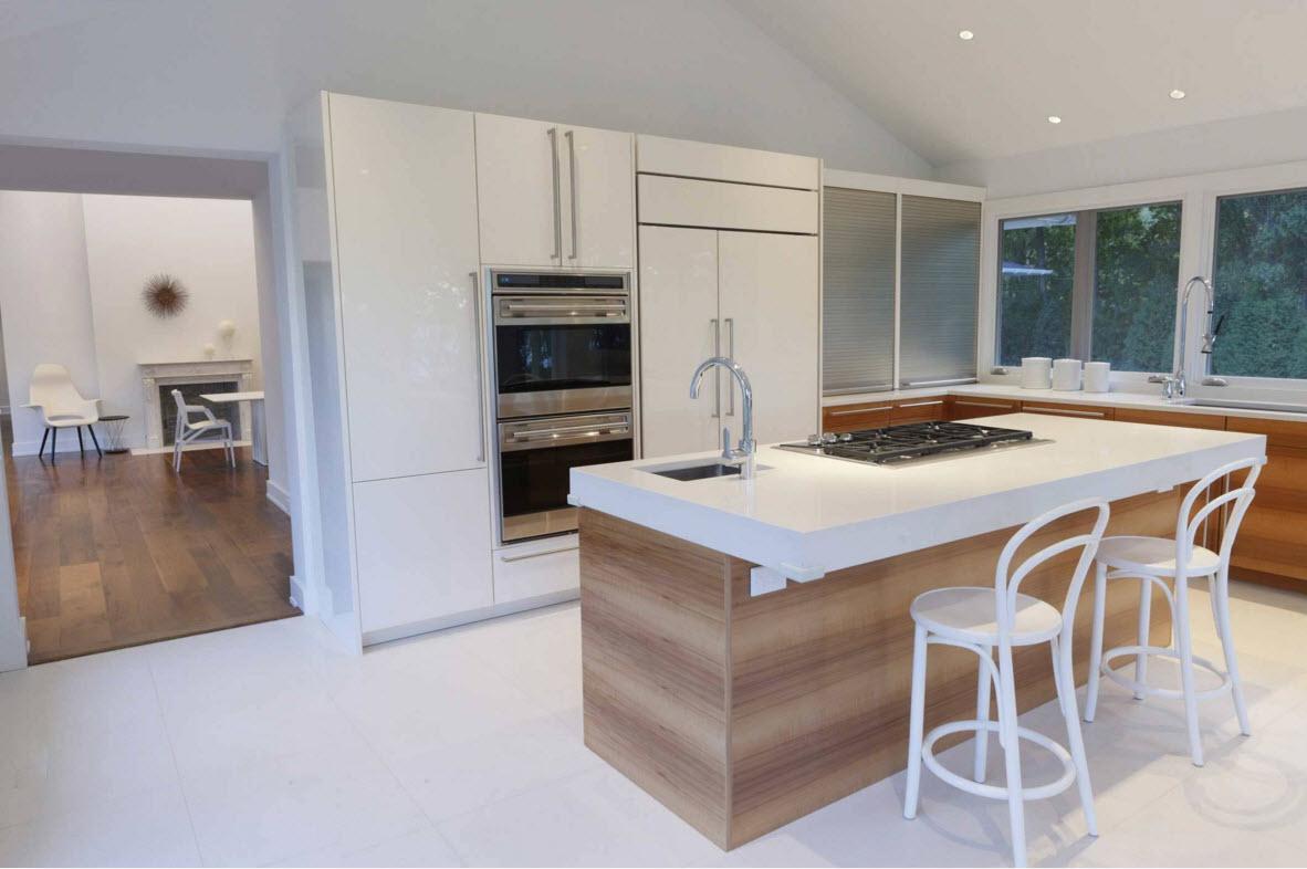 Сочетание белых поверхностей на кухне