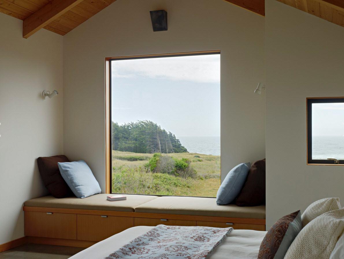 Глухое окно в спальне