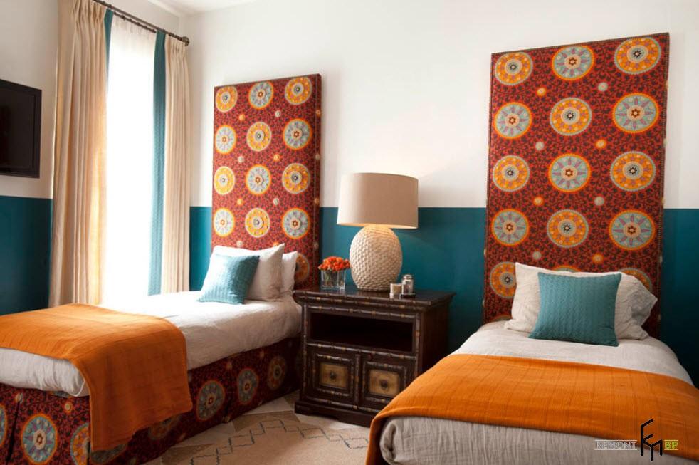 Изголовье с марокканскими орнаментами