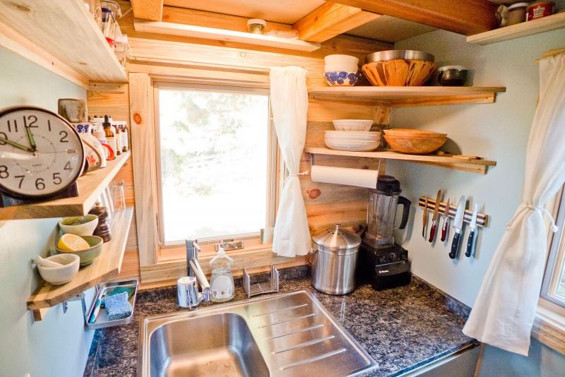 Обустройство кухни в передвижном доме