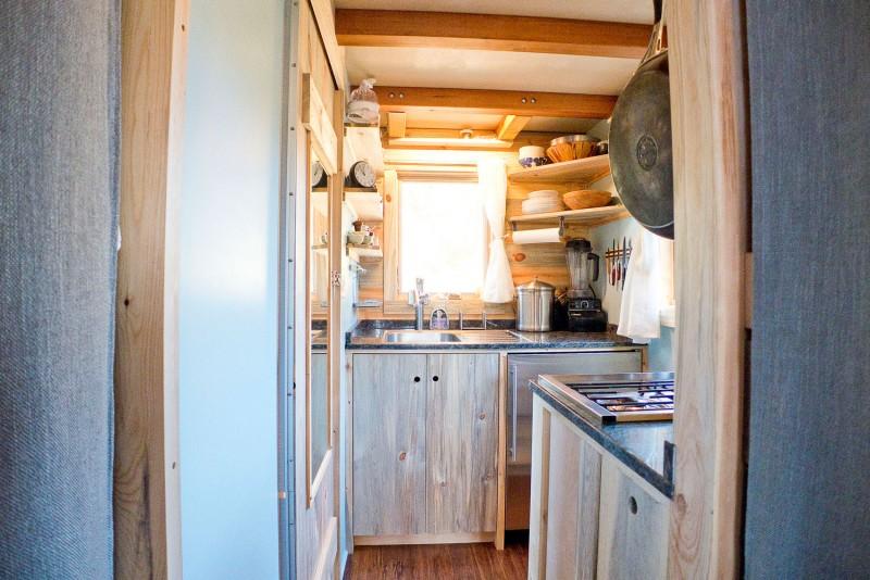 Вход в кухонное пространство